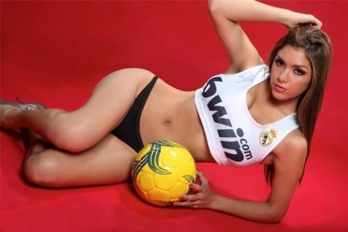 Real_Madrid_Club_de_Ftbol_-_Ana_Olortegui_552bcb13