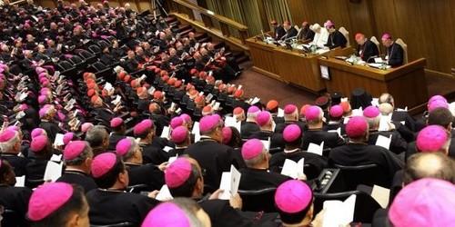 o-papa-bento-16-fala-a-bispos-e-cardeais-reunidos-