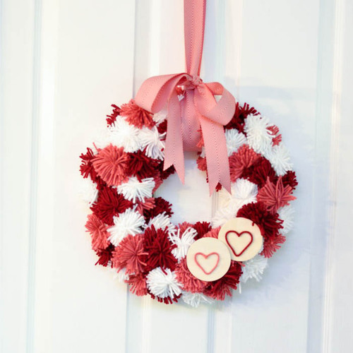 Pom-Pom-Wreath-With-Bow1.jpg