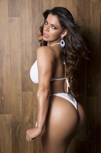 Suzy Cortez 31