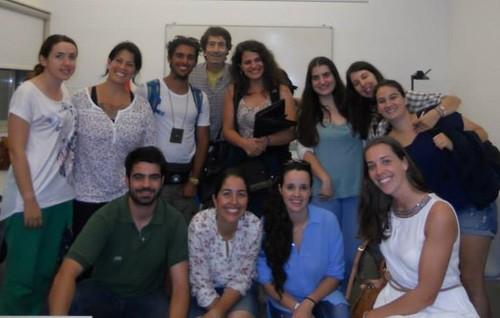 Os jovens numa formação em voluntariado para a c