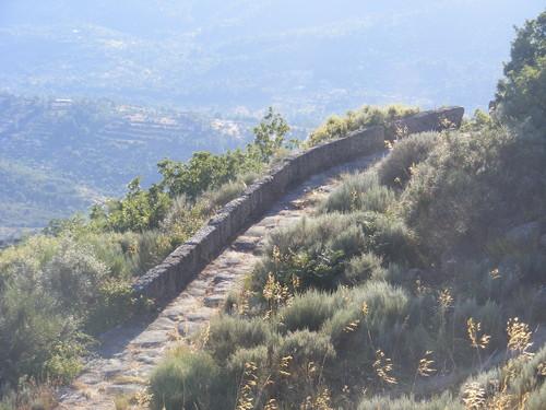 Calçada Romana quase intacta no alto da serra