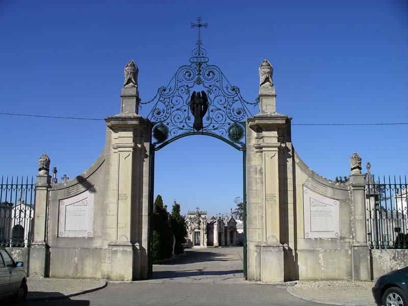 Cemitério da Conchada Portão 1.JPG