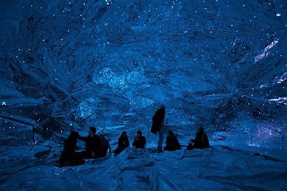 loop.ph-constructs-the-cosmos-within-inflatable-in