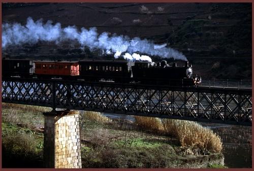 minolta linha do corgo 1978. in linhaferroviariadocorgo.wordpress.com.jpg
