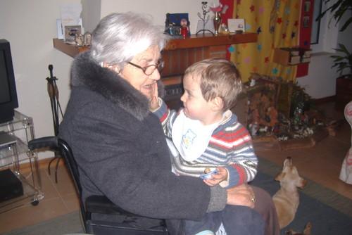 vovo mamã e António 2.JPG