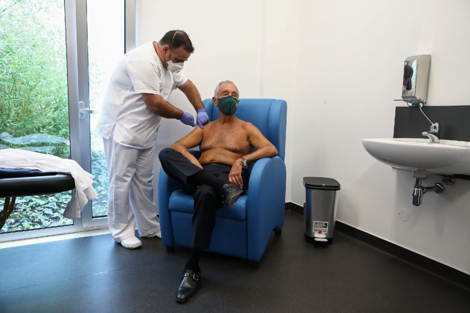 Vacina de Marcelo ANTÓNIO PEDRO SANTOSLUSA.jpg