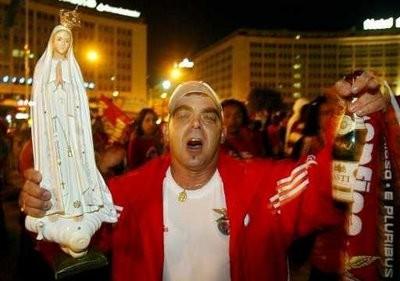 Adeptos-do-Benfica-fizeram-a-sua-festa-II.jpg