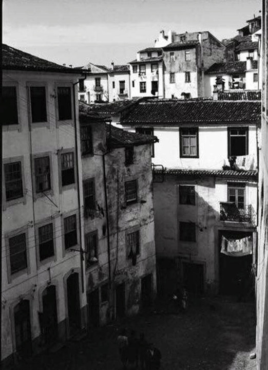 Rua das Covas, casa demolida.jpg