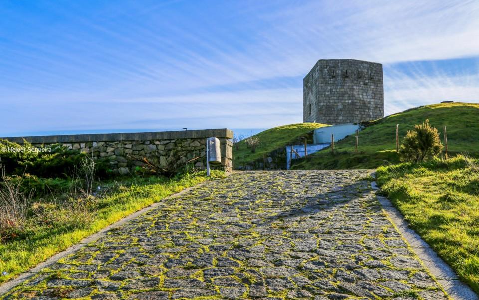 A caminho da Torre de Menagem_GUARDA - hs.jpg