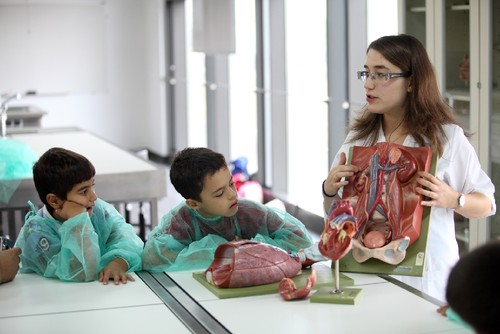 Atividade na Escola de Ciências da Saúde da UMin