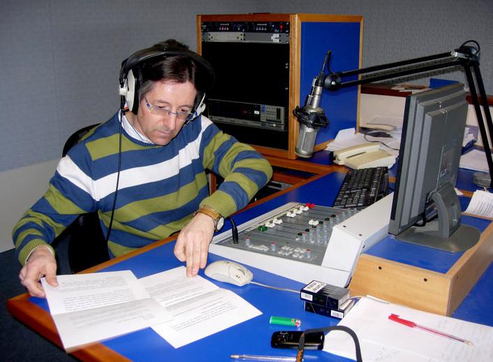 António AREDE no estúdio .jpg