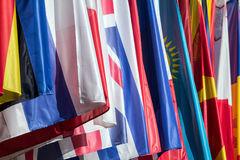 bandeiras-coloridos-94961412.jpg
