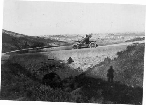 Corrida em rampa, da Ponte Nova à Cruz das Oliveiras (Joshua Benoliel, 1910)