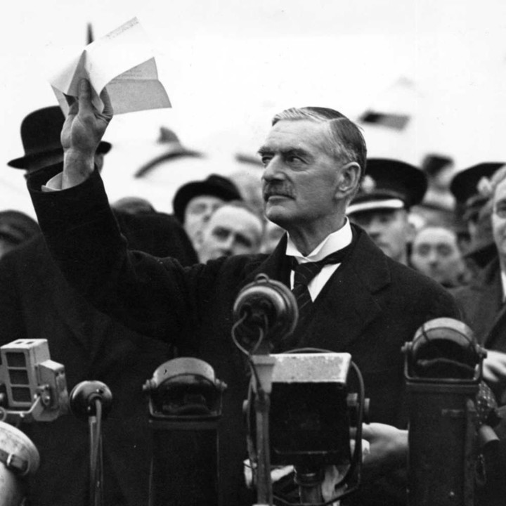 hith-neville-chamberlain-peace-in-our-time-1938.jp