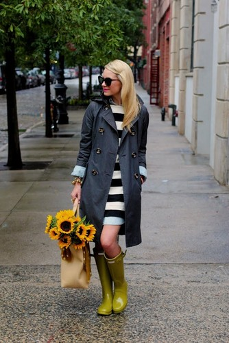 3.-striped-dress-with-rain-boots.jpg