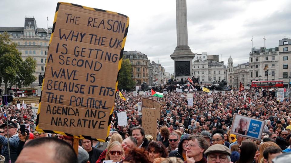 «A razão de o Reino Unido estar a ter uma segunda vaga é porque serve à agenda e à narrativa política»