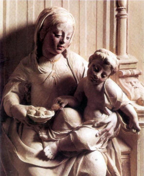 Virgem e o Menino, obra de João de Ruão.jpg