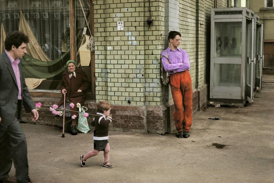 Harry Gruyaert - Russia, Moscow, 1989.jpeg