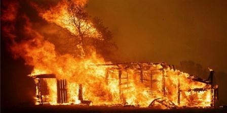 california-wildfires-today-180801-main-art-02_e4f4