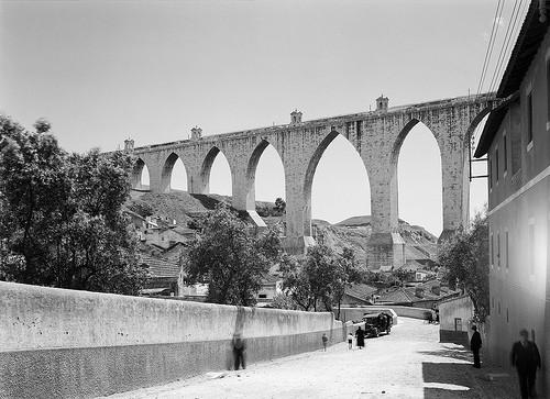 Calçada da Estação, Campolide (H. Novais, c. 1940)