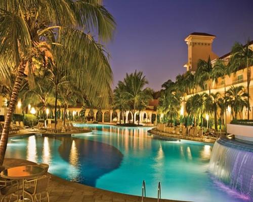 Hotel Palm Plaza .jpg