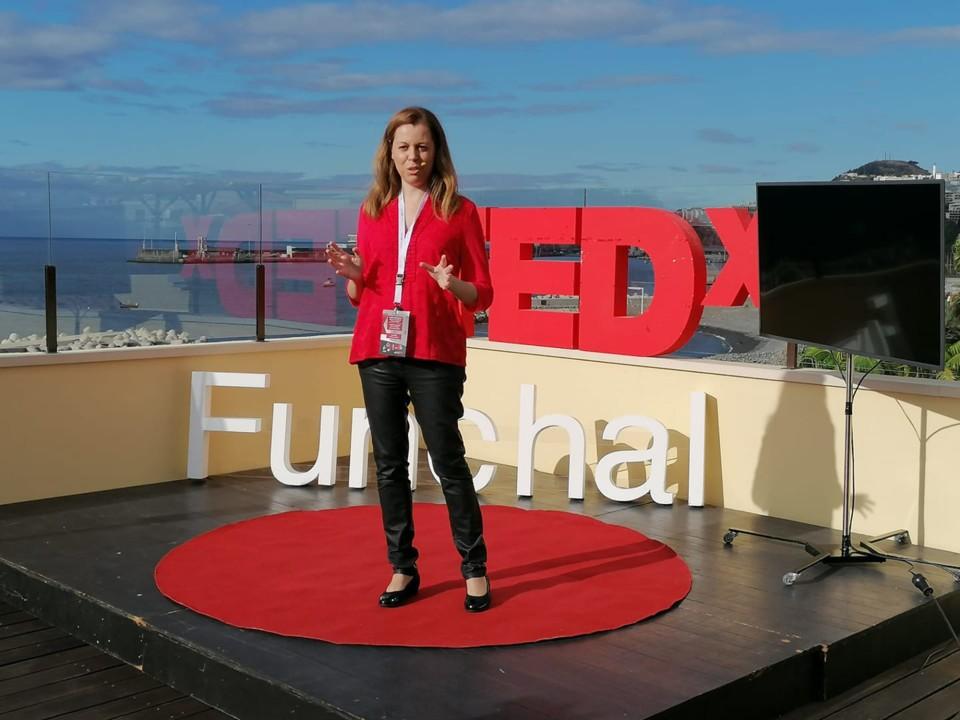8b - TEDX - Carina1.jpg