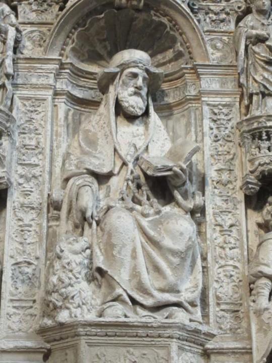S. Jerónimo, com chapéu de cardeal e leão aos p