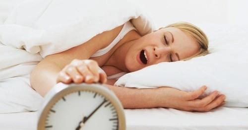 preguica-despertador-sono-ao-acordar-1340387554025