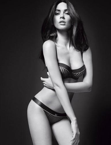 28.ª Megan Fox
