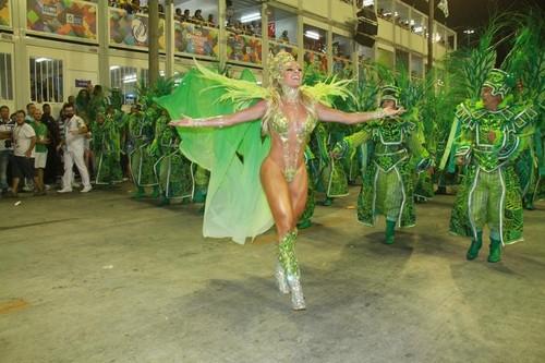 Juju Salimeni (Carnaval S.Paulo 2016)