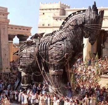 cavalo-de-troia-grande.jpg