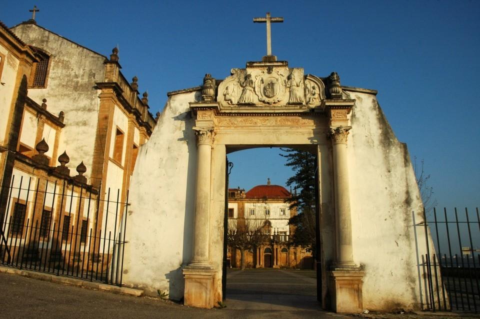 Convento Santa Clara-a- Nova. Entrada.jpg
