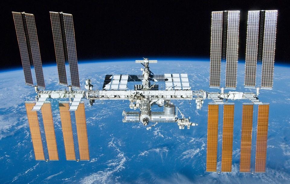 1200px-International_Space_Station_after_undocking