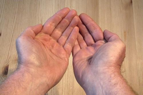 Hand-GerdAltmann.jpg