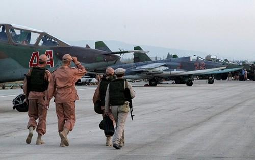 Rússia bombardeia alvos na Síria 08Out2015.jpg