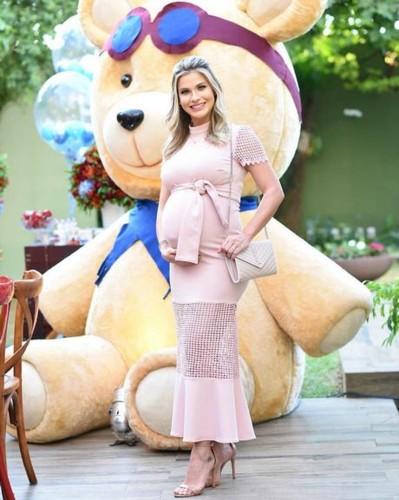 Andressa Suita 17 (grávida).jpg