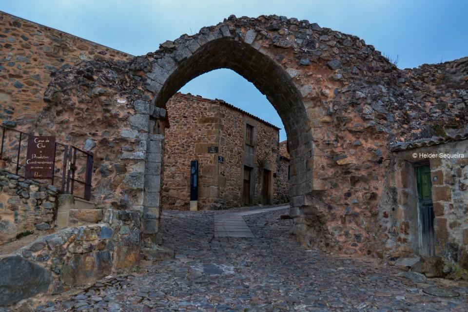 Castelo Rodrigo -- HS.jpg