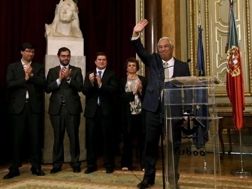 Antonio Costa sai da CM Lx - abril 2015.jpg