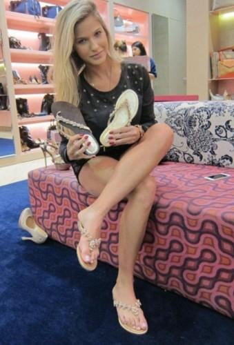 Andressa Suita (modelo, apresentadora & atriz).jpg