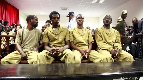 julgamento activistas angolanos.jpg