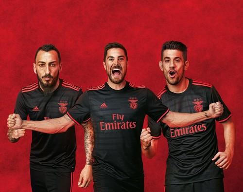 Equipamento_Benfica_2.jpg
