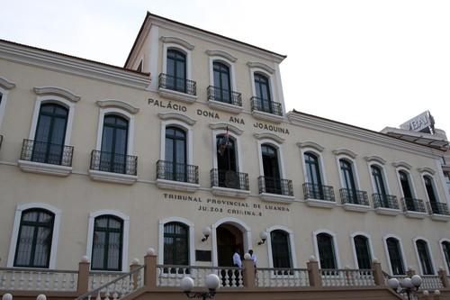 Angola-Tribunal.jpg