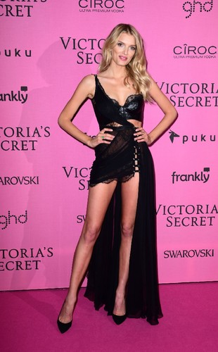 lily-donaldson-at-victoria-s-secret-fashion-show-a