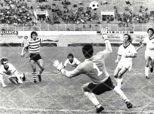 Sporting 4 - Farense 1 1975-76.jpg