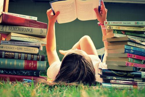 garota-lendo-um-livro1.jpg