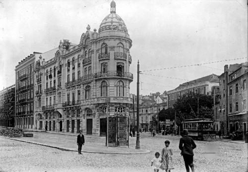 Lisboa. Confluência da Avenida.jpg