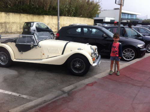 Luca e os carros