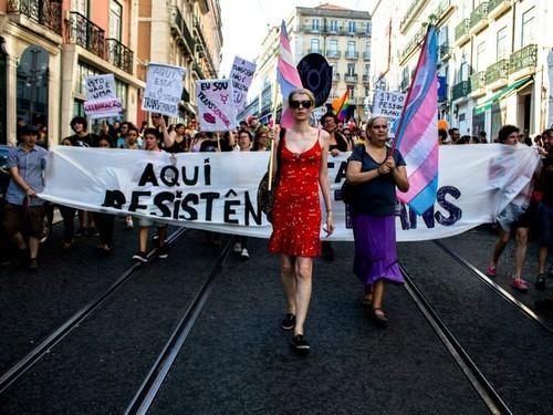 Marcha Orgulho LGBT Lisboa.jpeg