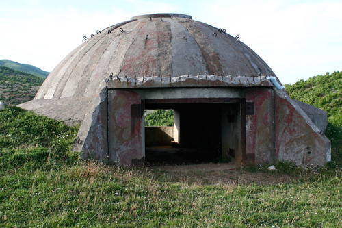 Albania_bunker_1.jpg